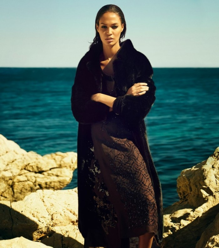 Joan-Smalls-by-Sean-Seng-A-Wave-Of-Reflection-Vogue-Japan-October-2013-735x834