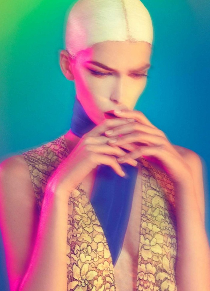 Kristina-Salinovic-by-Sofia-Sanchez-Mauro-Mongiello-In-My-Sleep-Modern-Weekly-October-2013-4-735x1020