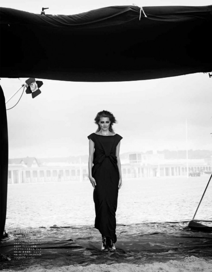 lindsey-wixson-by-peter-lindbergh-for-vogue-japan-october-2013
