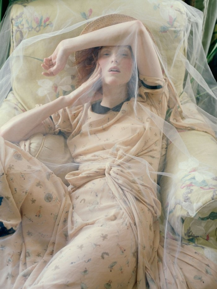 Made-In-Britain-by-Tim-Walker-UK-Vogue-December-2013-16-735x978
