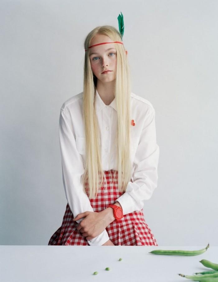 Made-In-Britain-by-Tim-Walker-UK-Vogue-December-2013-3-735x951