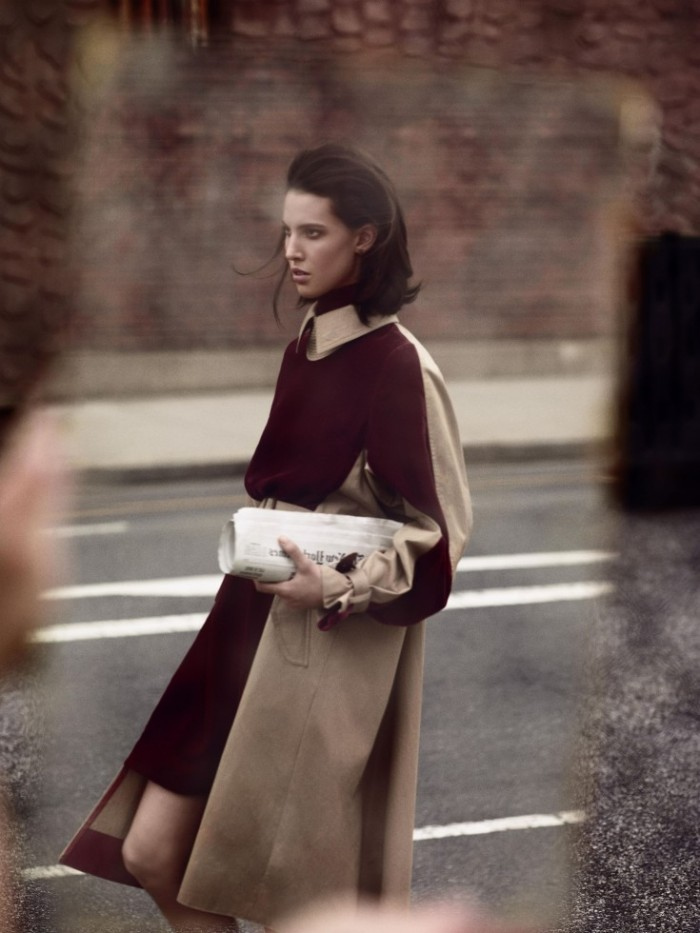 Ruby-Aldridge-by-Annemarieke-van-Drimmelen-Light-Motiv-Vogue-Netherlands-December-2013-9-735x980
