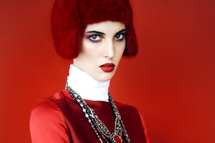 Ruby-Aldridge-by-Erik-Madigan-Heck-Fade-To-Red-Harpers-Bazaar-Russia-November-2013-7-735x490