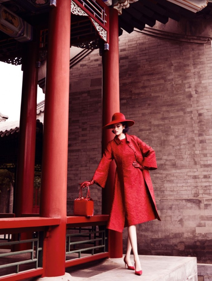Sui-He-by-Mario-Testino-Portrait-Of-A-Lady-Vogue-China-December-2013-1-735x976