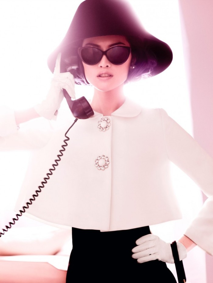 Sui-He-by-Mario-Testino-Portrait-Of-A-Lady-Vogue-China-December-2013-14-735x976