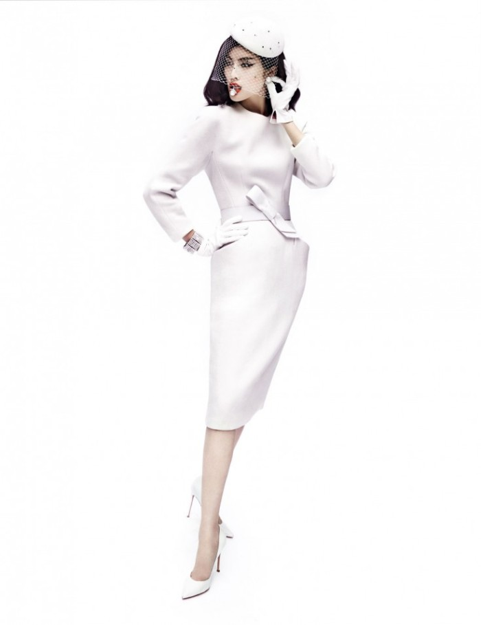 Sui-He-by-Mario-Testino-Portrait-Of-A-Lady-Vogue-China-December-2013-7-735x955