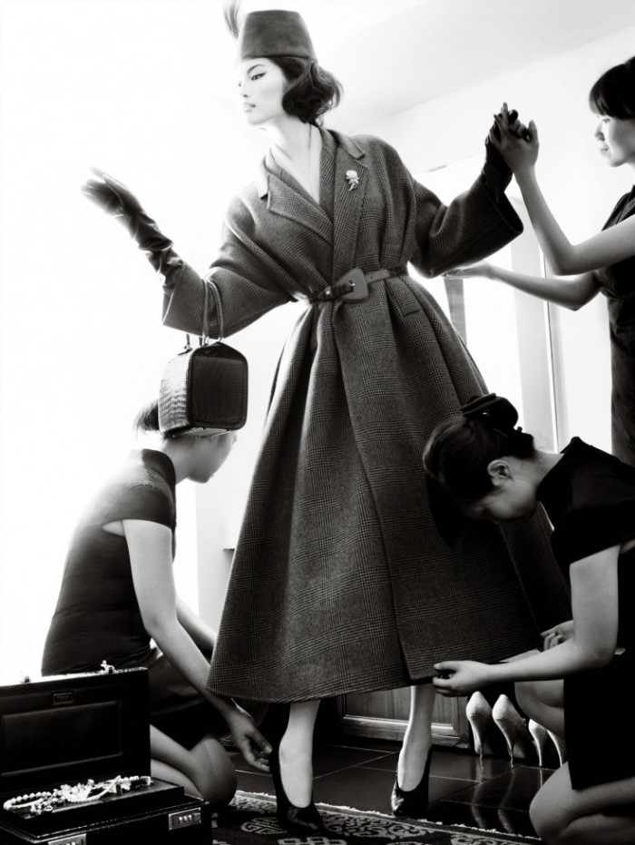 Sui-He-by-Mario-Testino-Portrait-Of-A-Lady-Vogue-China-December-2013-9-735x978