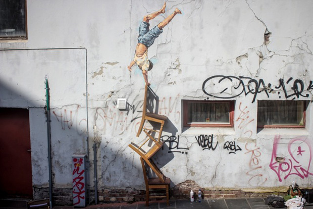 Ernest-Zacharevic.