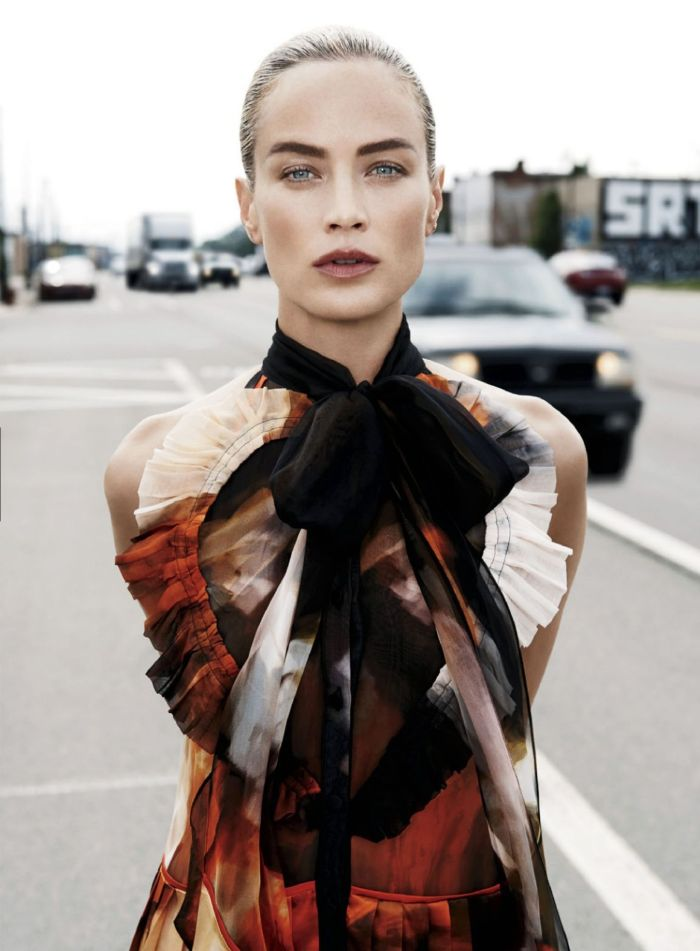 carolyn-murphy-by-max-vadukul-for-elle-us-september-2014-1
