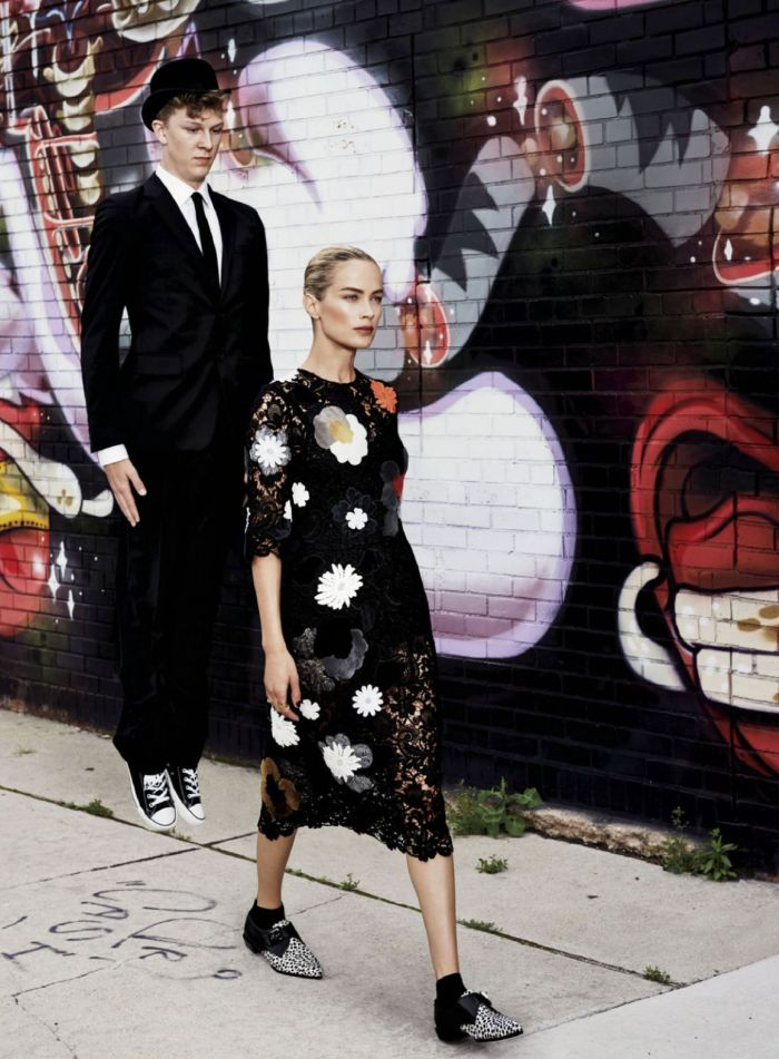 carolyn-murphy-by-max-vadukul-for-elle-us-september-2014-11