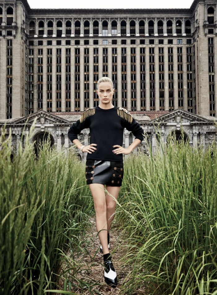 carolyn-murphy-by-max-vadukul-for-elle-us-september-2014-2