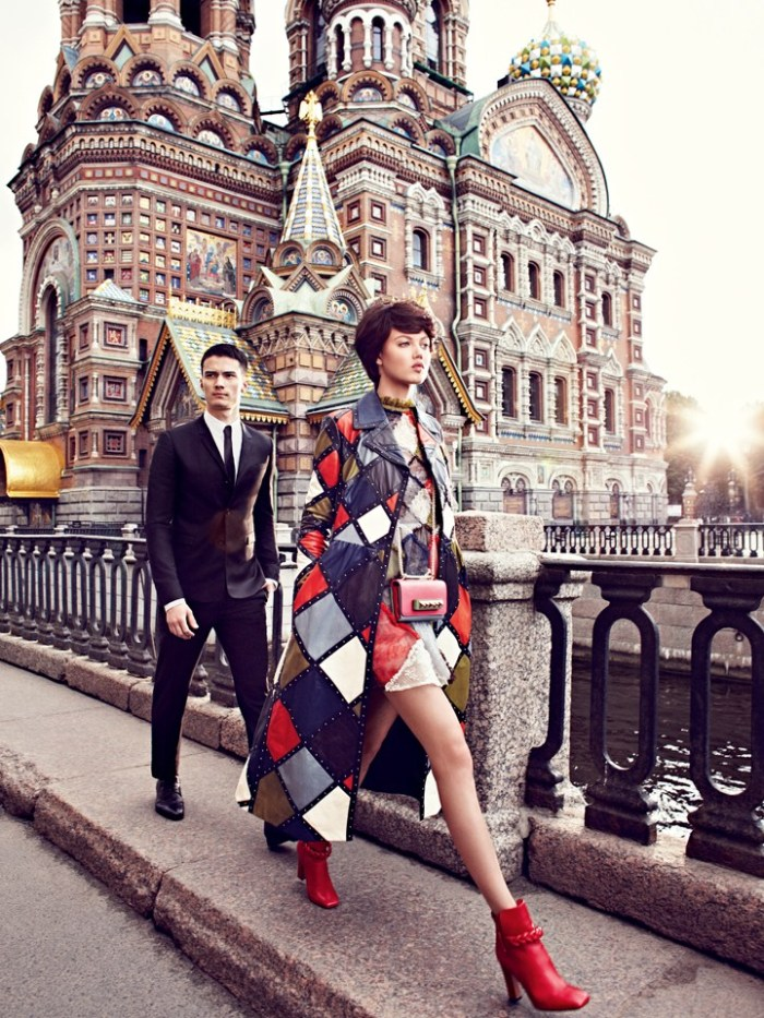 lindsey-wixson-by-alexi-lubomirski-for-vogue-russia-september-2014-5